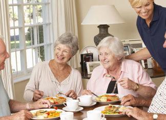 Opiekun osoby starszej w Niemczech - czy warto wyjechać do takiej pracy?