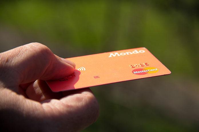 Karty kredytowe a debetowe – czym się różnią?